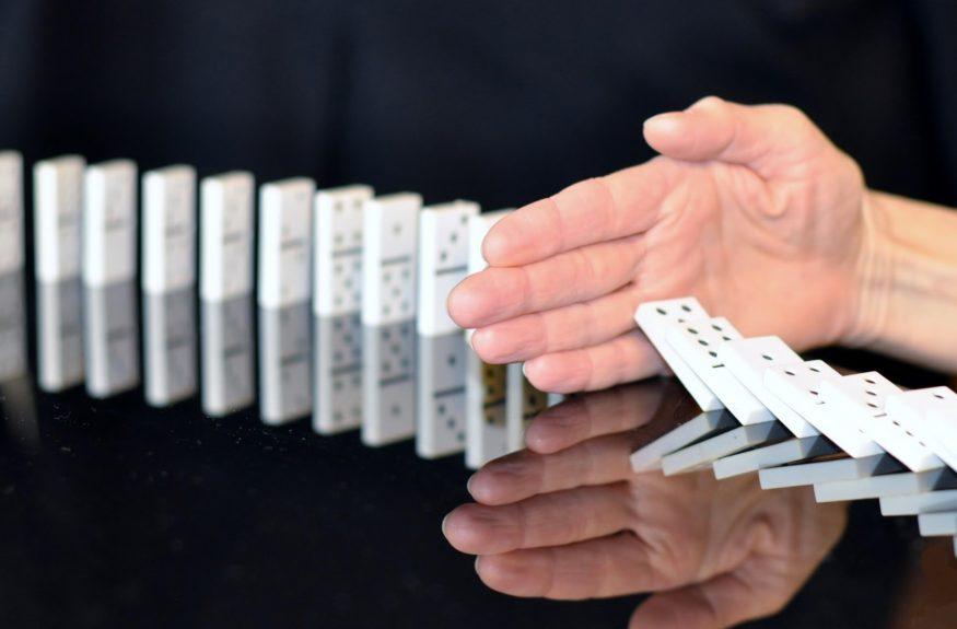 stop-domino